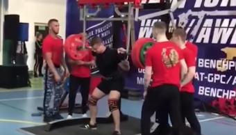 Foto Atleta se rompe la pierna al cargar pesa de 250 kg 22 mayo 2019