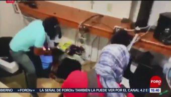 Foto: Maestros de la CETEG causan destrozos en el Congreso local