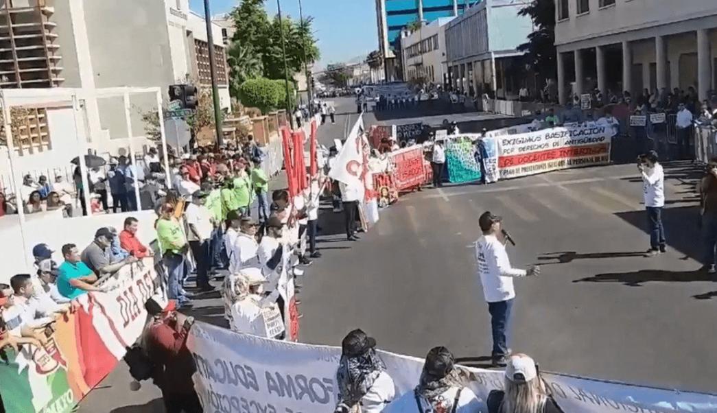 Foto: Maestros de la CNTE marchan en Sonora, 15 de mayo de 2019, México