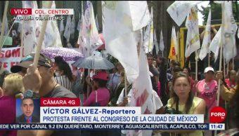 Manifestantes bloquean acceso al Congreso de la Ciudad de México