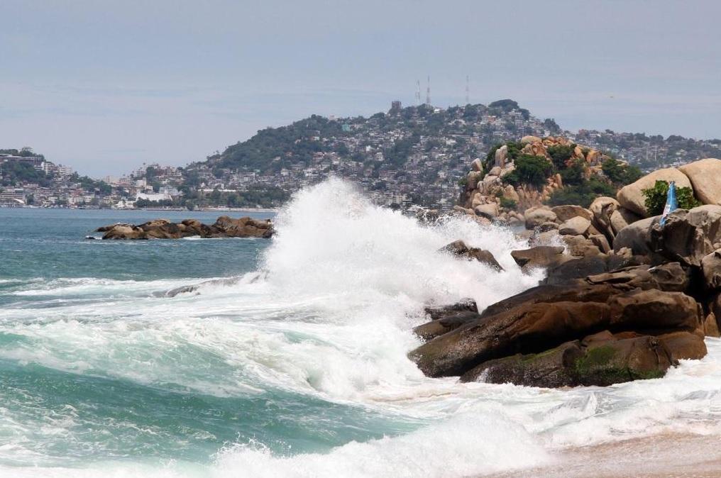 Foto: Mar de fondo en Acapulco, Guerrero. 7 de mayo 2019. Twitter @AcapulcoGob