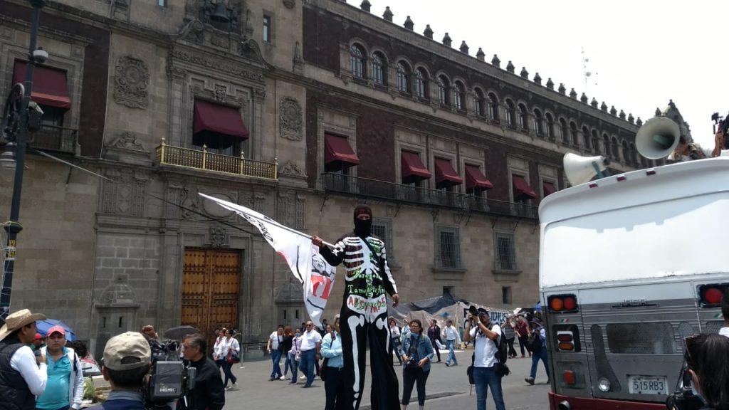 Foto Marcha de la CNTE llega al Zócalo capitalino 15 mayo 2019