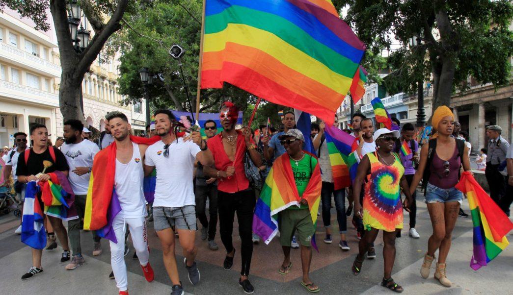 Foto: Activistas LGBT cubanos participan en una manifestación contra la homofobia en La Habana, Cuba, mayo 11 de 2019 (Reuters)