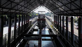foto Sujeto intenta robar celular y cae a las vías del Metro en CDMX 23 octubre 2018