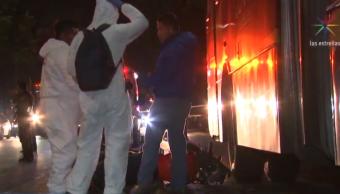 Foto: Ambulancia atiende a personas atropelladas por el Metrobús. (Noticieros Televisa)