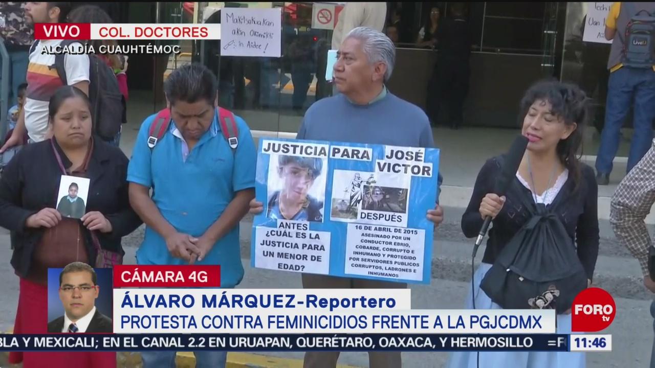 Padres de familia se manifiestan contra los feminicidios en CDMX