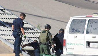 Foto: Patrulla Fronteriza rescata a migrantes de alcantarillas, 6 de mayo 2019. EFE