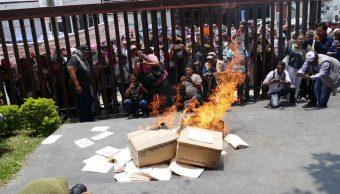 Foto: Protesta de la CETEG en el Congreso de Guerrero, 2 de mayo 2019. Twitter @des_informante
