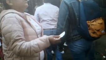 FOTO Reventa de boletos del Metro CDMX prolifera, impune (Noticieros Televisa abril 2019 cdmx)