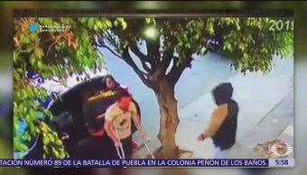 Roban camioneta a hombre con muletas en Guadalajara