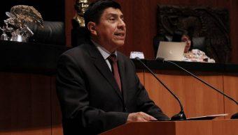 Él es el senador de Morena que frenó, sin querer, la reforma educativa