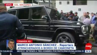 Foto: Atrincherados Encerrados Camioneta Mercedes Benz CDMX 17 Mayo 2019