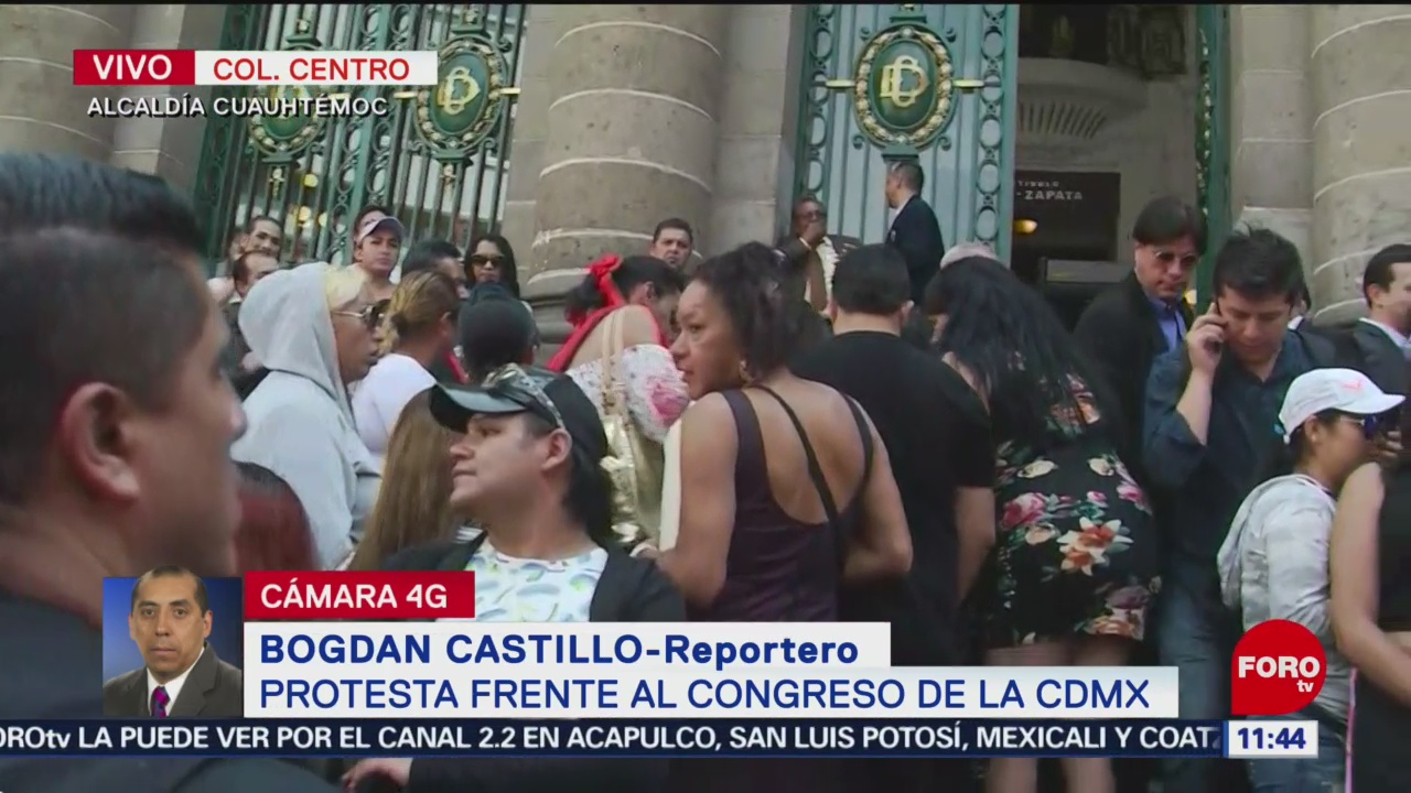 Trabajadoras sexuales protestan frente al Congreso de la CDMX