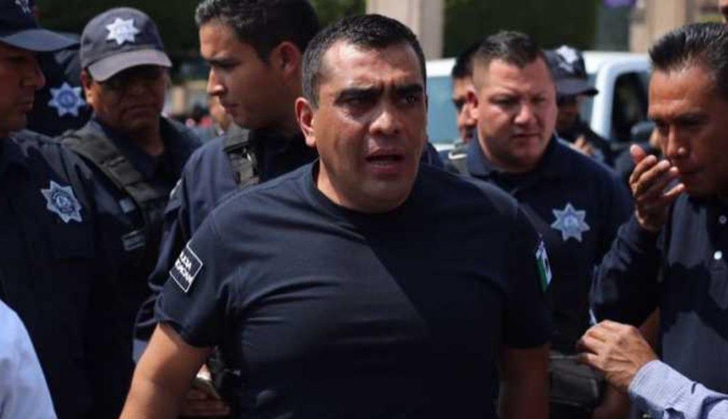 FOTO Ayotzinapa: Renuncia funcionario de la SSP Michoacán por video de tortura contra detenido (Twitter)