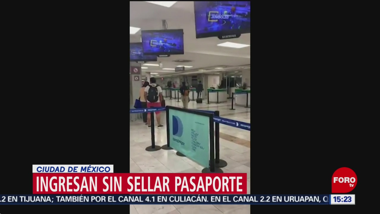 FOTO: Extranjeros ingresan al país sin sellar su pasaporte en AICM