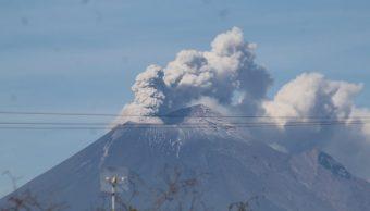 Foto: Emisión de vapor de agua y gases acompañadas con ligeras cantidades de ceniza del volcán Popocatépetl, junio 9 de 2019 (Twitter: @TribunaVigila)