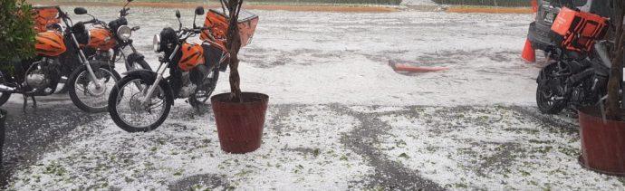 Foto: Una fuerte lluvia acompañada de granizo provoca afectaciones en el área metropolitana de Guadalajara, Tonalá y Zapopan, Jalisco, junio 16 de 2019 (Twitter: @Trafico_ZMG)