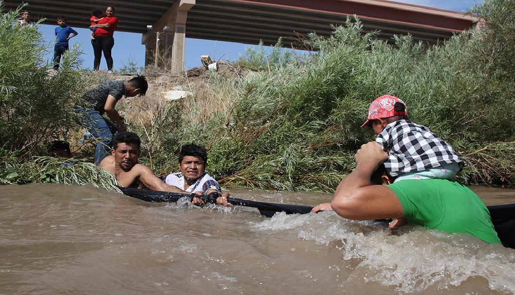 Investigadores de EU colaboran en construcción de albergue para migrantes en Tijuana