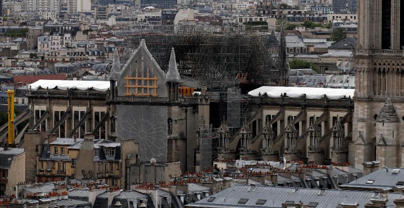 FOTO Notre Dame de París prepara primera misa tras incendio (AP 31 mayo 2019 paris)