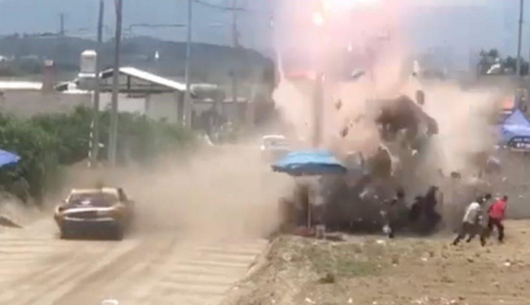 Foto: Un muerto y dos lesionados, es el saldo de un accidente durante una competencia de autos, en el municipio de Libres, Puebla, junio 23 de 2019 (FOROtv)