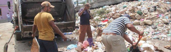 Foto: recolección de basura en el puerto de Acapulco, 19 de junio 2019. Twitter @AcapulcoGob