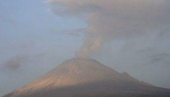 Foto: El volcán Popocatépetl continúa con actividad explosiva; registró un sismo volcanotectónico y 169 exhalaciones en las últimas 24 horas, junio 30 de 2019 (Twitter: @PC_Estatal)