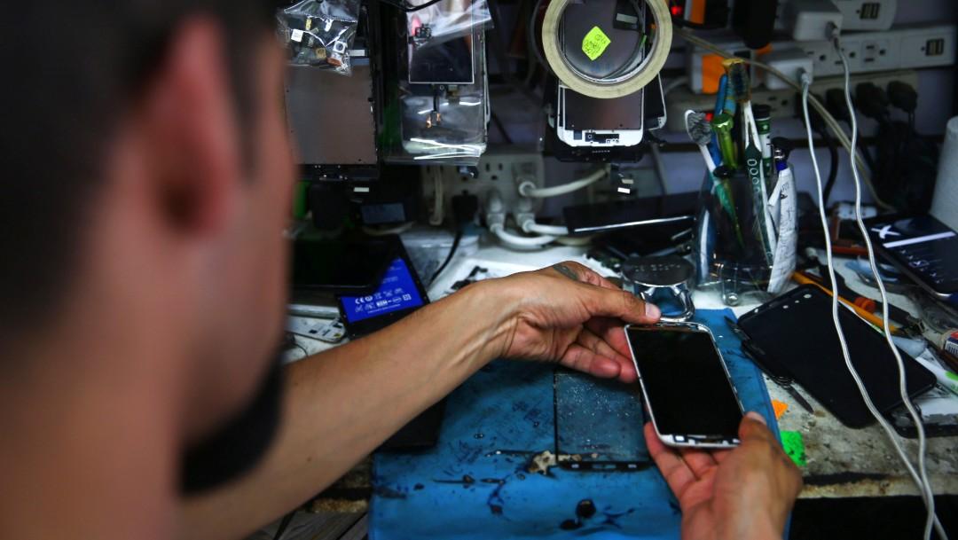Foto: Reparación de celulares en la Ciudad de México, 8 de mayo de 2019, México