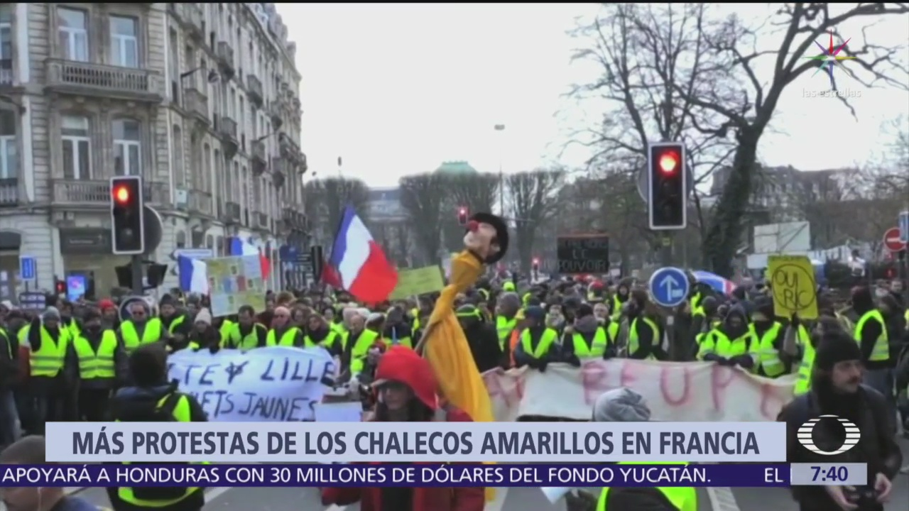 Continúan protestas de chalecos amarillos en Francia