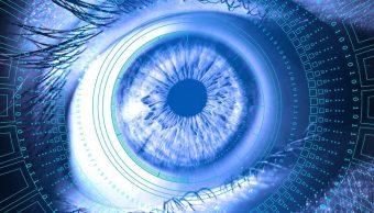 Foto: lentes de contacto robótico para zoom en los ojos. 31 julio 2019