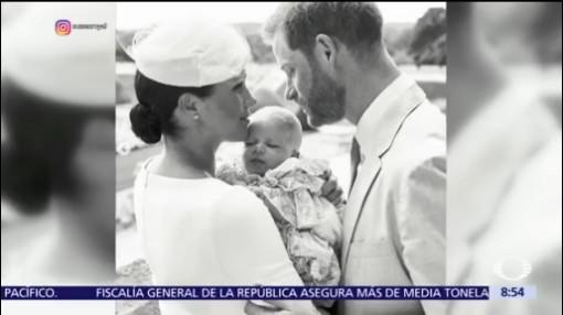 Meghan Markle y el príncipe Enrique bautizan a su hijo