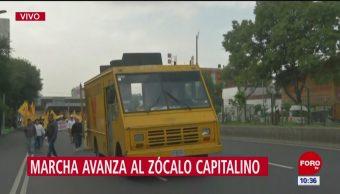 Miembros de la Asamblea de Barrios se dirigen al Zócalo
