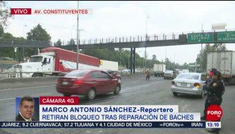 FOTO: Vecinos de la colonia La Palma retiran bloqueo sobre Constituyentes