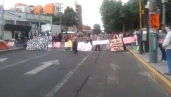 Foto: Padres de familia bloquean avenida Azcapotzalco-La Villa por cierre de escuela 21 agosto 2019