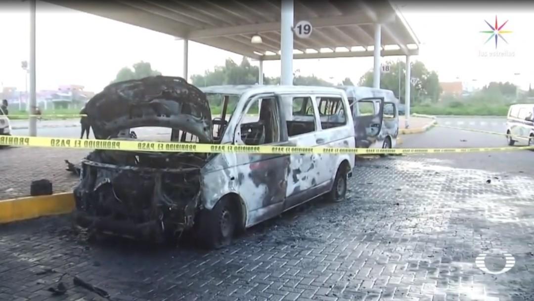Presuntos integrantes del CJNG incendian combis en Tecámac; extorsionadores piden a choferes hasta 150 mil pesos