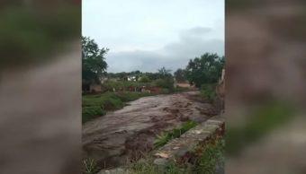 FOTO Desborda el río Salsipuedes de San Gabriel, Jalisco, otra vez (Noticieros Televisa)