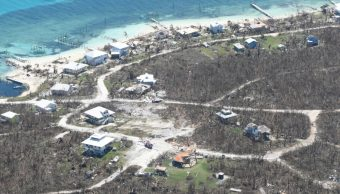Dorian se debilita a huracán categoría 1 frente a la costa de EE.UU.
