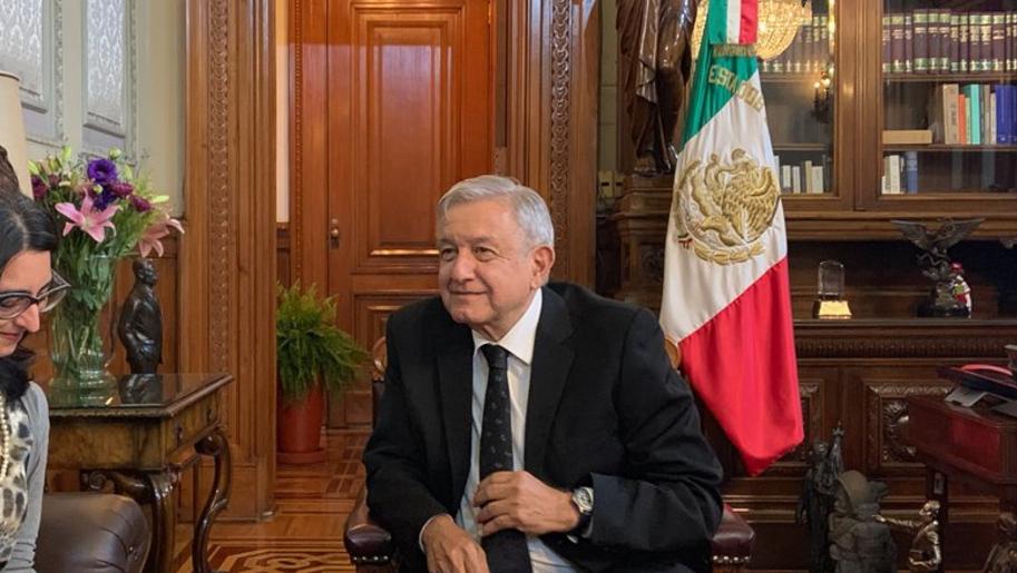Foto: AMLO en la oficina presidencial de Palacio Nacional, 14 de septiembre de 2019 (Twitter @lopezobrador_)