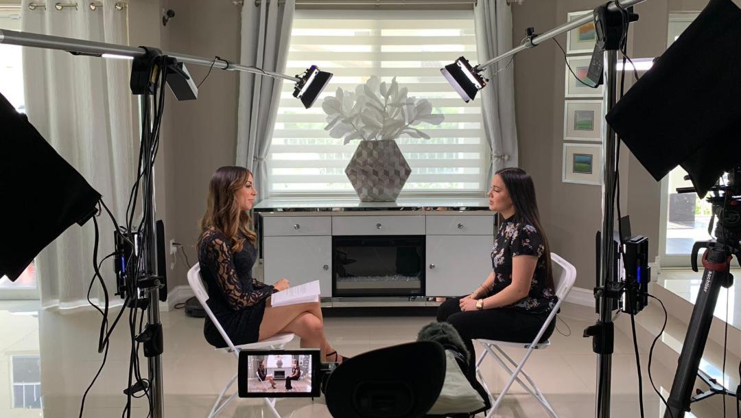 Foto: Sarita, hija de José José en entrevista con Univisión, 29 de septiembre de 2019 (Univisión)
