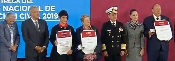 AMLO entrega Premio Nacional de Protección Civil 2019.