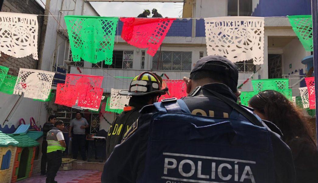FOTO Fuga de gas deja 5 niños intoxicados en kínder de CDMX (Noticieros Televisa)