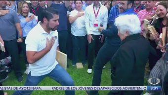 Lupita, la abuelita que vende seguros