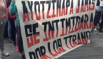 Foto: Protestas por caso Ayotzinapa frente a la FGR, 25 de septiembre de 2019, Ciudad de México