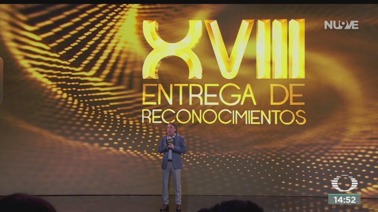 FOTO: Reconocen Colaboradores Televisa Por 40 Años Trabajo