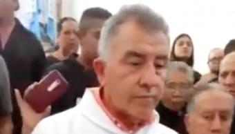 "Foto Video: Sacerdote se niega a bendecir a difunto porque ""era corrupto"" 18 septiembre 2019"