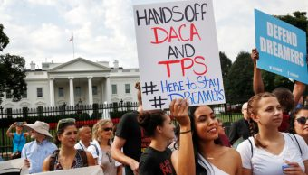 Foto: Beneficiarios del programa se manifiestan afuera de la Casa Blanca, 09 de octubre de 2019 (AP, archivo)