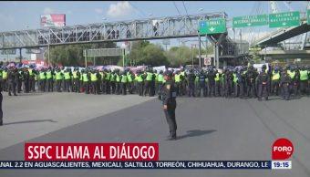 Foto: Autoridades Policías Federales Retirar Bloqueo Aicm 4 Octubre 2019
