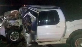 Mueren tres personas calcinadas a bordo de un vehículo en Ensenada