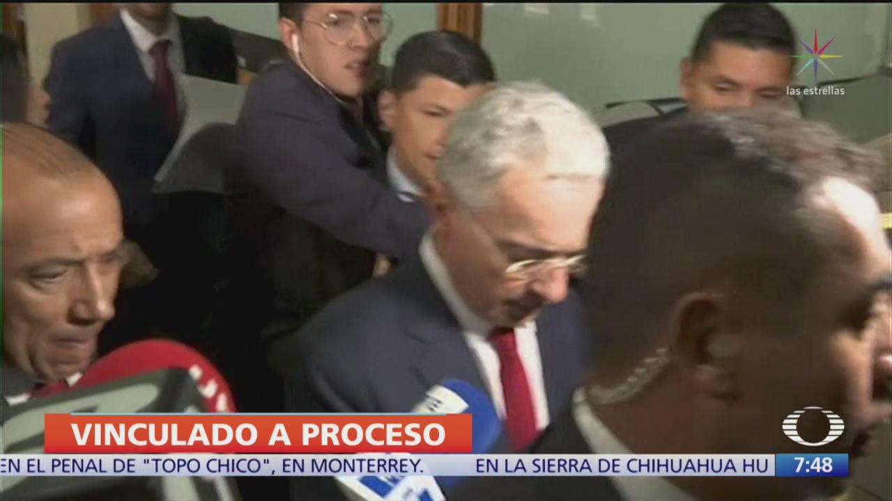 Corte de Colombia pide investigar al expresidente Álvaro Uribe