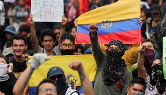 Gobierno de Ecuador dispone reanudar clases el lunes; persiste protesta
