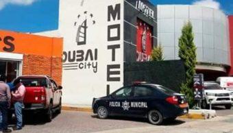 Foto: Los cuerpos fueron hallados en una habitación del motel Dubai City. Twitter/@luizalane76